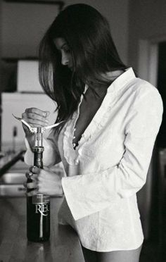 Beautiful colorful pictures and Gifs: Sensual Drink Woman Wine, Beauty And Fashion, Wine Time, White Shirts, White Blouses, White Photography, Boudoir Photography, Street Photography, At Least