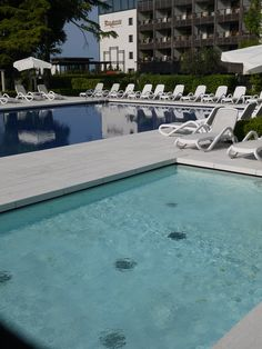 Hotel Acquaviva Wellness, Resort & Spa has two comfortable outdoor swimming pools for the exclusive use of its guests: one of the pools is semi-Olympic, 18x10 m, 1.50 m deep; the other pool is smaller, and specifically designed for children (6x3.5 m, 75 cm deep). http://www.hotelacquaviva.it/hotel-con-spa-lago-di-garda.asp/lang_en/s_2/indoor-pool.html