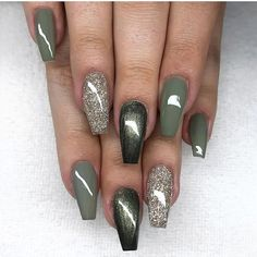 Most Sexy and Trendy Prom and Wedding Acrylic Nails and Matte Nails for this Season - Amately Green Nail Art, Green Nail Polish, Green Nails, Nail Polish Colors, Wedding Acrylic Nails, Best Acrylic Nails, Matte Nails, Toe Nail Designs, Acrylic Nail Designs