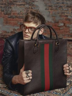Featuring Gucci web detail in its signature green/red/green combination, this tote is made from brown leather that is printed for a boar effect, giving it a textured appearance. Gucci Handbags, Luxury Handbags, Leather Bag, Brown Leather, Fashion Brand, Mens Fashion, Men's Totes, Chef D Oeuvre, Gucci Men