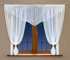 Voál bílé lemování JAVELA     Bílá kusová záclona z hladkého voálu. Na stažení jsou přiloženy dvě lesklé manžetky.     Široký cíp voálu má výšku asi 50 cm.     Voál je obšitý lesklou lemovkou. Na horním díle je průsvitná řasící stužka.