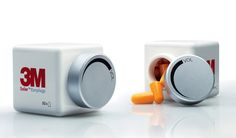 Clever Packaging Design for Earplugs. turned the purpose of the earplugs – to reduce noise – into an original package design. The container's cap looks like the volume knob of a hi-fi system. Clever Packaging, Brand Packaging, Product Packaging, Packaging Ideas, Article Of The Week, Designers Gráficos, Web Design, Graphic Design, Creative Design
