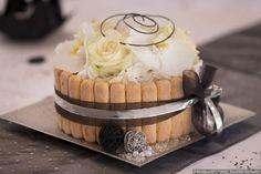 Un contenant pour vos fleurs original #2018 #bonheur #love #mariée #marié #decoration #dream #ideas #wedding #trendy #black #white #flowers