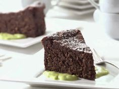 - Chocolate Avocado Pistachio Cake with Avocado Creme Anglaise By TasteSpotting Slimming World Cake, Slimming World Desserts, Slimming World Recipes, Slimming Eats, Chocolate Avocado Cake, Chocolate Cake, No Bake Desserts, Delicious Desserts, Pistachio Cake