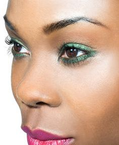 Add some unique touches to your look with daring color combos and bold makeup choices! #makeup #beauty