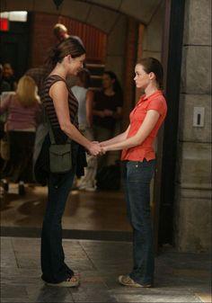 Gilmore Girls - Lauren Graham and Alexis Bledel