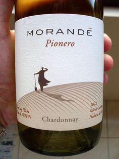 """Morandé Pionero Chardonnay 2012 Origem: Valle de Casablanca # O que dizem sobre este vinho: """"Esta é a dica da semana. Este é umChardonnay de Casablanca, aliás, Pablo Morandé havia descoberto o pot..."""