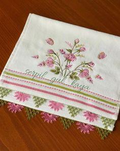 Bargello, Napkins, Tableware, Cross Stitch Bookmarks, Crochet Edgings, Dinnerware, Towels, Dinner Napkins