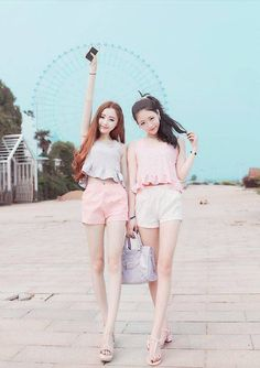 Street style style for two kawaii fashion, fashion och ulzza Kawaii Fashion, Cute Fashion, Look Fashion, Girl Fashion, Fashion Outfits, Fashion Tips, Fashion Design, Korean Fashion Trends, Korean Street Fashion