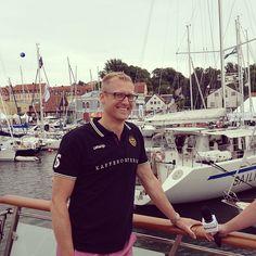 Lars Appelqvist, vd Löfbergs Lila, tar emot Fortums #Våga -pris i #Almedalen.