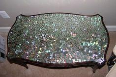 20-idees-de-pour-recycler-des-cd-usages-mosaique-table-1