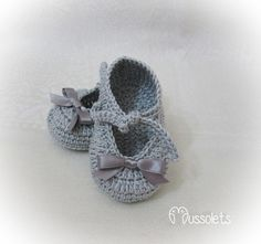 Crochet Baby Sandals, Booties Crochet, Baby Booties, Knit Crochet, Knitting Stitches, Baby Accessories, Baby Blue, Booty, Couture