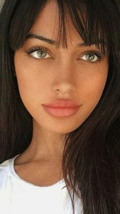Best ideas for an ever more natural make-up - Beauté - Make Up Beautiful Green Eyes, Lovely Eyes, Stunning Eyes, Pretty Eyes, Beautiful Black Women, Beautiful Body, Pretty People, Beautiful People, Beautiful Pictures