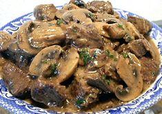 Böf Strogonof Tarifi - Beef Stroganoff Nasıl Yapılır - Boeuf Stroganof - Mantar Soslu Bonfile Yapımı - Rus Mutfağına ait geleneksel yemeğin detaylı anlatımı