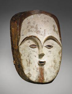 5 minutes with… A Fang Ngil mask from Gabon African Museum, Statues, Masks Art, African Masks, Chalk Pastels, Claude, Sculpture, Ocean Art, Tribal Art