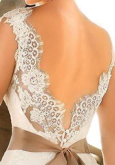 Renda nas costas / Espalda del vestido de novia / parte trasera del vestido de novia / boda