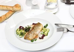 Small Boutique Hotels, Vienna Hotel, Lunch, Chicken, Breakfast, Food, Morning Coffee, Eat Lunch, Essen