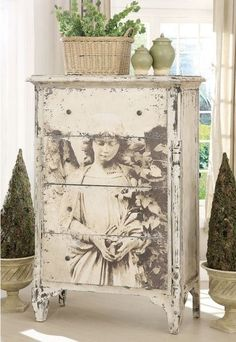 7 Successful Tips AND Tricks: French Shabby Chic Curtains shabby chic background decoupage. Shabby Chic Dresser, Chic Furniture, Furniture Makeover, Decoupage, Painted Furniture, Chic Decor, Shabby Chic Decor, Redo Furniture, Shabby Chic Homes