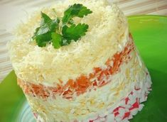 Ингредиенты: Крабовые палочки 1 уп яйцо 4 шт морковь 1 шт сыр 80 гр майонез Приготовление: Яйца сварить, охладить, почистить....