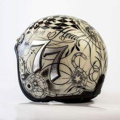 Custom Helmets, Racing Helmets, Pinstriping, Helmet Drawing, Motorcycle Helmet Design, Triumph Bobber, Vintage Helmet, Vintage Cafe Racer, Helmet Paint