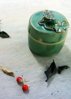 accessory - jewelry ceramic earring and jewelry box