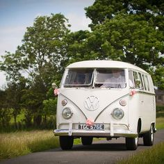 Bridesmaids arriving in style. #VW #Camper #TPC #bridesmaid #wedding #weddingphotography