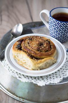 Cinnamon rolls con tahini e datteri - Marzia Fine Dining Tahini, Cinnamon Rolls, Fine Dining, Food Inspiration, French Toast, Base, Breakfast, Brioche, Morning Coffee