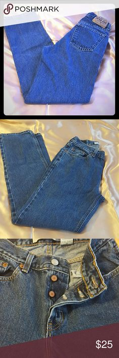 Gap low rise Jeans size 2 Regular. Gap Blue jeans in a very good conditions very thick and strong  material it's a type of jeans that you can wear and have for a long time. It's a straight legs it's a classic jeans that never goes out of style. Gap Jeans Straight Leg
