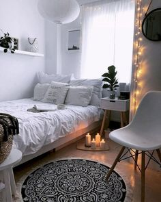 Small Apartment Bedrooms, Small Apartment Decorating, Small Room Bedroom, Room Decor Bedroom, Bedroom Ideas, Small Rooms, Girls Bedroom, Master Bedroom, Bed Room
