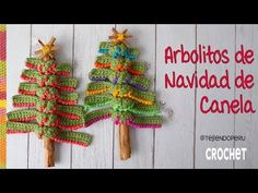 This tree is made by crocheted strips and when knotted to a cinnamon stick it easily forms. Share your Christmas tree after finishing work. Creative Christmas Trees, Crochet Christmas Trees, Christmas Time, Knitting, Amor Youtube, Crafts, Crochet Ideas, Christmas Ornaments, Christmas Things