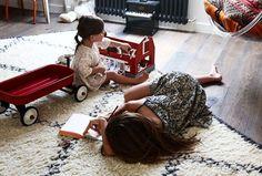 Vente éphémère de tapis berbère sur #thesocialitefamily cf dans le #eshop #exclutsf @fragments_paris #deco #paris #homedesign #inspiration #interieur