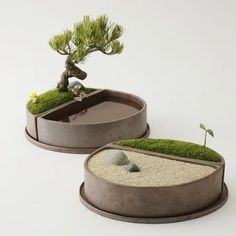 Japanese Garden Theme For A Getaway In Your Own Backyard Diy Concrete Planters, Cement Pots, Concrete Crafts, Mini Zen Garden, Moss Garden, Garden Pots, Miniature Zen Garden, Garden Terrarium, Bonsai Garden