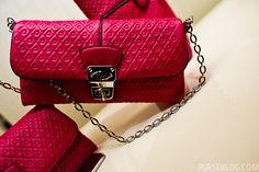 I wish I had a purse of this colour