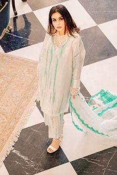 Pakistani Dresses Casual, Pakistani Dress Design, Indian Dresses, Designer Punjabi Suits, How To Iron Clothes, Indian Suits, Girl Photo Poses, Pretty Patterns, Blue Fabric