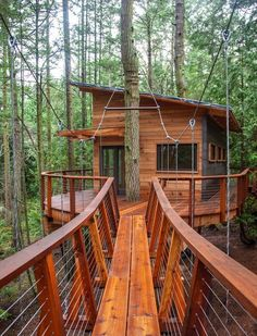 The Nelson family built a contemporary cabin with a bridge off the coast of Seattle on one of the San Juan Islands. Photo 3 of 11 in How Tree House Master Pete Nelson Built an Empire in the Woods. Browse inspirational photos of modern homes. Treehouse Cabins, Building A Treehouse, Treehouses, Treehouse Ideas, Cabana, Patio, Backyard, Beautiful Tree Houses, Dream Houses