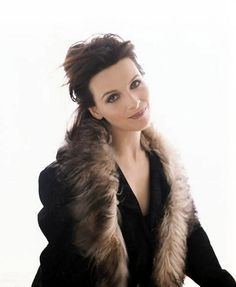 Photo of Juliette Binoche for fans of Juliette Binoche 13667408 Juliette Binoche, Italian Beauty, French Beauty, Julia Ormond, Middle Age Fashion, Parisienne Chic, Woman Movie, My Fair Lady, French Actress
