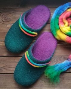 Instagram Felt Shoes, Slipper Boots, Womens Slippers, Felt Crafts, Socks, Wool, Teenagers, Felting, Instagram
