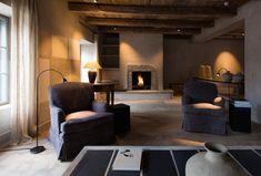 Der belgische Interior Designer Axel Vervoordt schuf am Fuße der Festung Hohensalzburg ein exklusives Gästehaus, das höchste Design- und Komfortansprüche erfüllt.