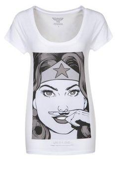 Ein Shirt mit Superhelden-Status. Eleven Paris WONDERWOMAN - T-Shirt print - white für 39,95 € (17.10.14) versandkostenfrei bei Zalando bestellen.