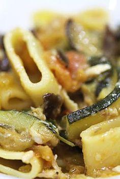 Pasta con zucchine, melanzane e pomodoro ♥ - Ricette allegre