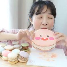 ♡ she's eating macarons annabelle was p scary lol ⠀⠀⠀⠀⠀⠀⠀⠀⠀⠀⠀⠀⠀⠀⠀⠀⠀⠀⠀⠀⠀⠀⠀⠀⠀⠀⠀⠀ 𝘧𝘰𝘭𝘭𝘰𝘸  Mukbang Korean, Korean Food, Muk Bang, Food Vids, Clock For Kids, Anime Girl Neko, Asmr Video, People Eating, Cooking Videos