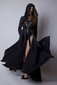Magicka Hooded Coat with Thumbholes