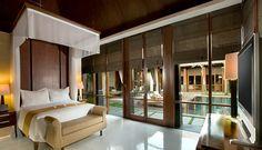 The Kayana Villa located in Seminyak, Bali. Take 3-minute walk from Potato Head Beach Club, 8 km from Ngurah Rai International Airport, 10-minute walk to Seminyak Square and Petitenget Beach. The resort offers a spa, villas with private pools and free Wi-Fi.   http://www.zocko.com/z/JG1al