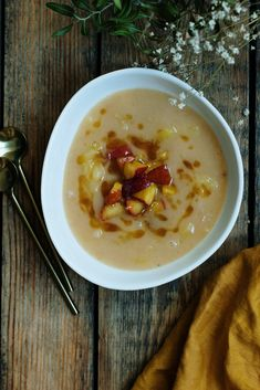 Soup Recipes, Healthy Recipes, Tasty, Yummy Food, Hungarian Recipes, Soups And Stews, Cheeseburger Chowder, Food And Drink, Vegan