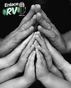 La #Familia del #EnlaceRv desea #Bendiciones de #Salud #Amor #Paz y #prosperidad a todos en el #DíaDeLaFamilia #Miranda #Vargas #SomosLaRadio #TeamRV #Venezuela #Rv1021 #Rv1035 #ElDialQueTeGusta by enlacerv