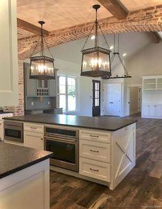 Awesome Rustic Farmhouse Kitchen Cabinets Décor Ideas Of Your Dreams Lovely DIY Rustic Kitchen plans you might copy for your home Farmhouse Kitchen Cabinets, Farmhouse Style Kitchen, Modern Farmhouse Kitchens, Home Kitchens, Rustic Farmhouse, Kitchen Rustic, Farmhouse Ideas, Wooden Kitchen, Kitchen Cabinetry