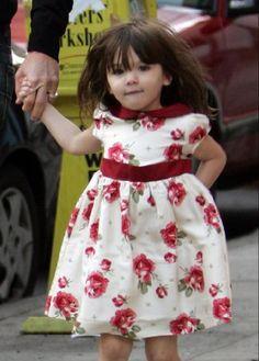 Ang mga resulta ng Google para sa http://photos.posh24.com/p/453967/l/tom_cruise/happy_birthday_suri_cruise.jpg