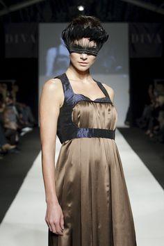 MQ Vienna Fashion Week 2010: Elfenkleid © Jürgen Hammerschmid