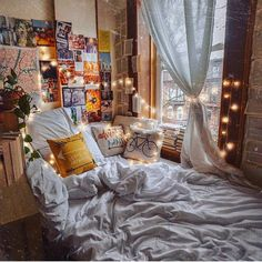 aesthetic bedroom 24 Ideas bedroom ideas cozy boho reading nooks for 2019 Dream Rooms, Dream Bedroom, Room Ideias, Room Ideas Bedroom, Bedroom Inspo, Decor Room, Hipster Bedroom Decor, Indie Bedroom, Bed Room
