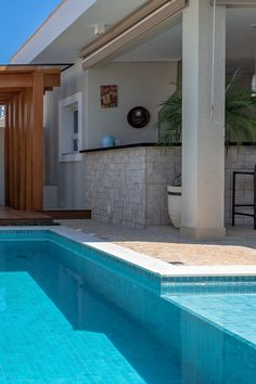 House Outer Design, House Outside Design, Small Pool Design, Small House Design, Pool House Designs, Backyard Pool Designs, Small Backyard Pools, Swimming Pools Backyard, Pool House Plans